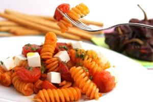 ¿Cómo casa el Pimentón dulce con el tomate cherry, queso fresco feta, aceite de oliva? pronto lo sabremos...